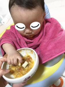 生後9か月つかみ食べ